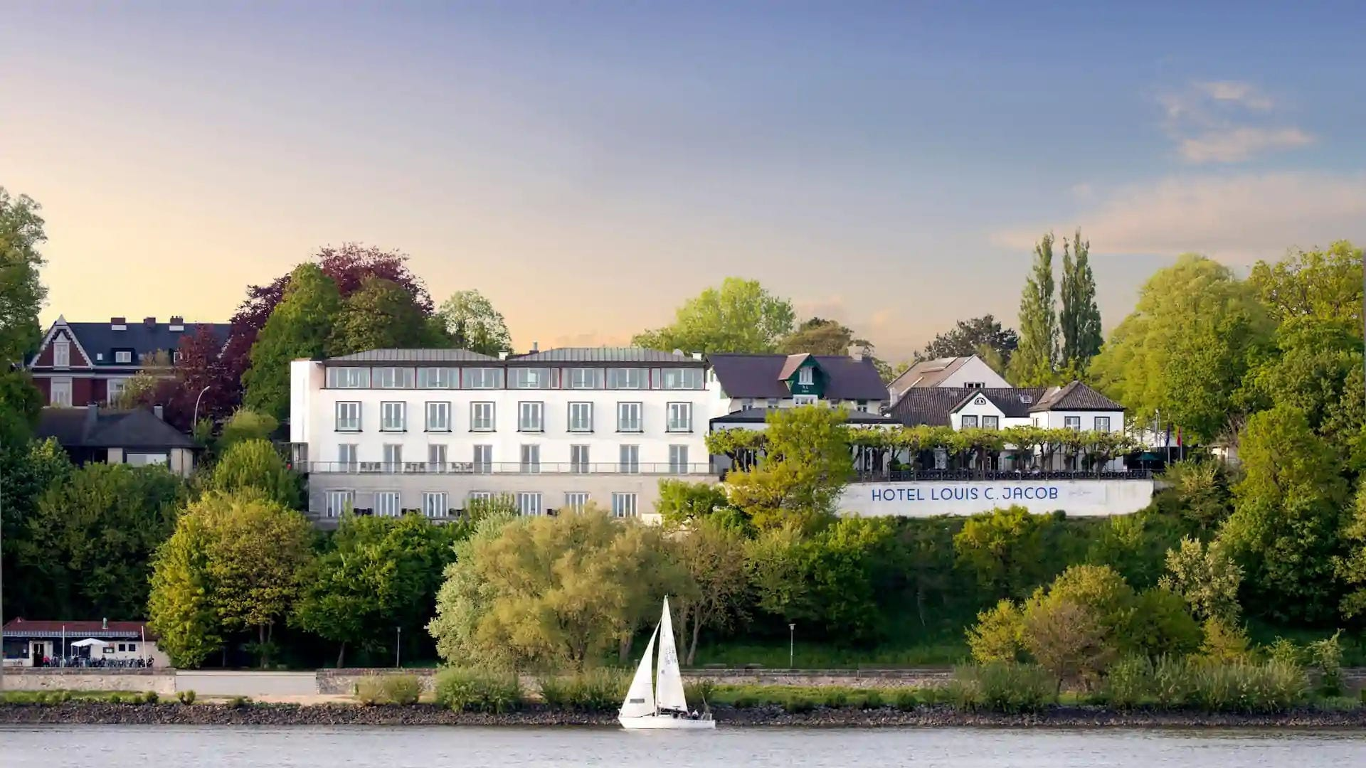Hotel Louis C. Jacob an der Elbe